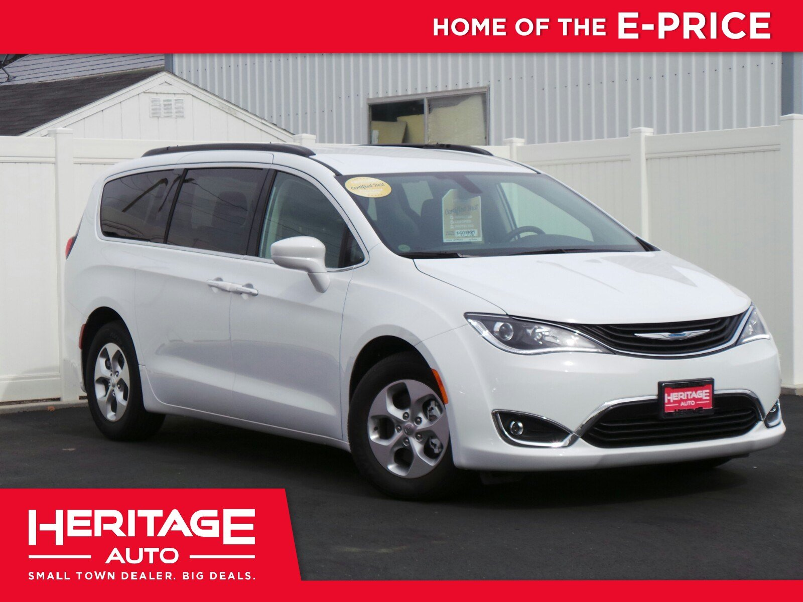 Pre Owned 2017 Chrysler Pacifica Hybrid Premium